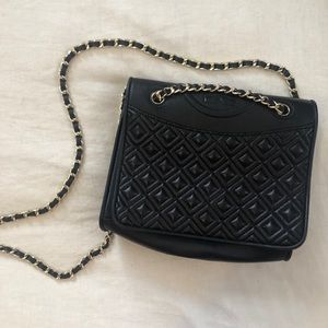 Tory Burch Bags - Tory Burch Quilted Crossbody - Black & Gold
